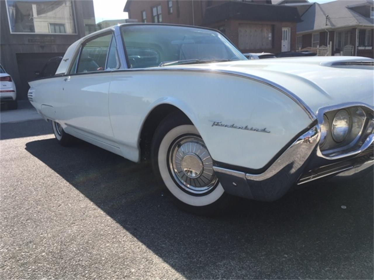 Large Picture of Classic 1961 Ford Thunderbird located in New York - $9,700.00 Offered by a Private Seller - QIBR