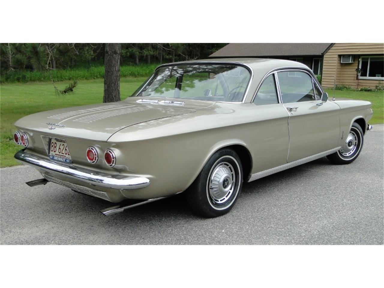 Large Picture of Classic '62 Chevrolet Corvair Monza located in Minnesota - QIKQ