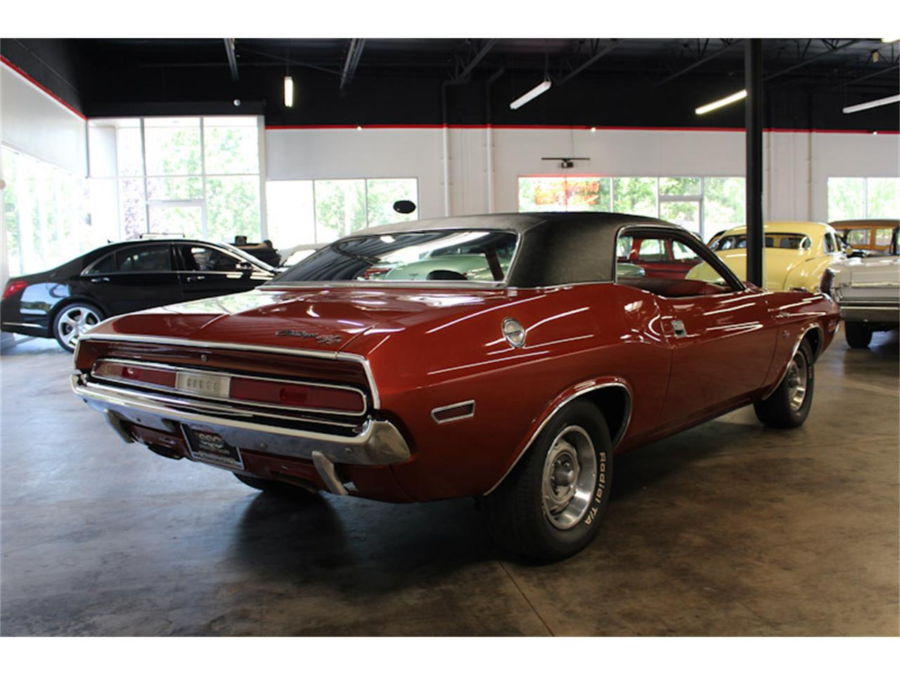 Large Picture of '70 Challenger - QILW