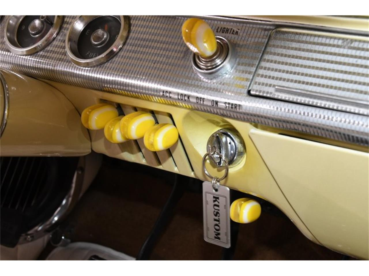 Large Picture of Classic 1962 Chevrolet Impala Offered by Volo Auto Museum - QIVA