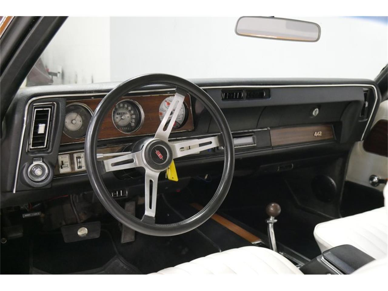Large Picture of Classic '72 Cutlass located in Lavergne Tennessee Offered by Streetside Classics - Nashville - QIVH