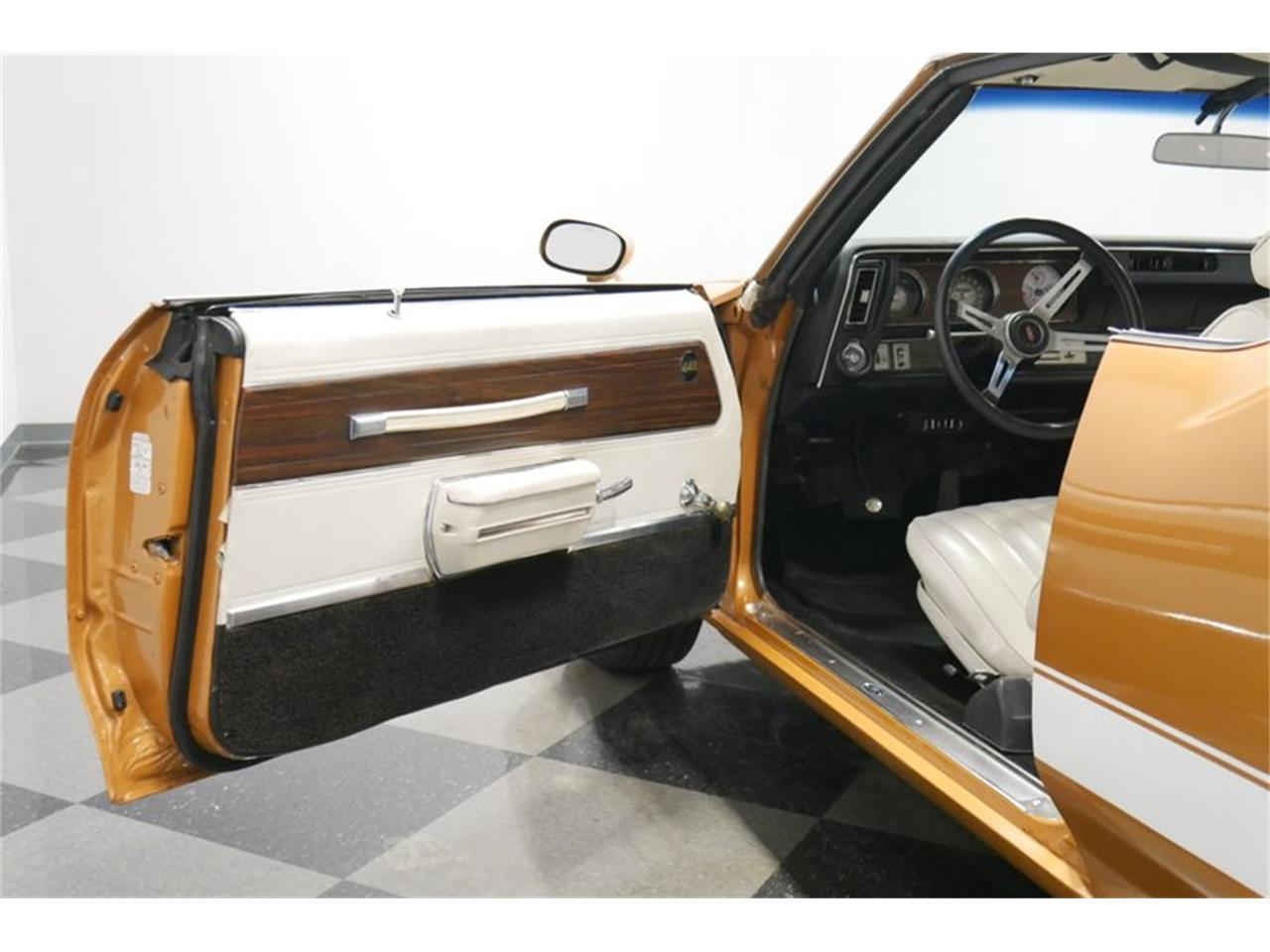 Large Picture of 1972 Oldsmobile Cutlass - $24,995.00 Offered by Streetside Classics - Nashville - QIVH