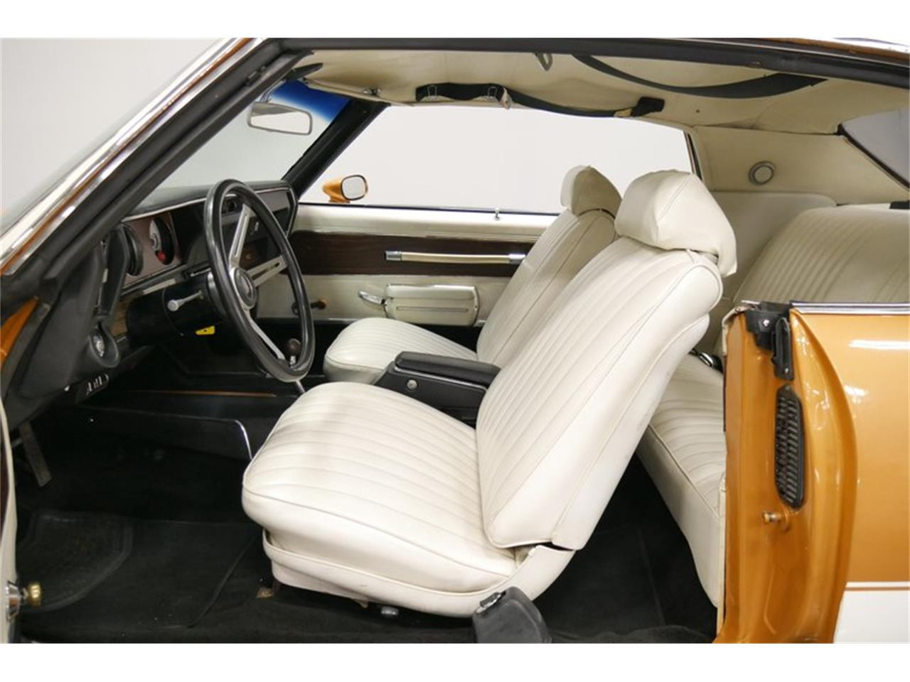 Large Picture of Classic '72 Oldsmobile Cutlass - $24,995.00 Offered by Streetside Classics - Nashville - QIVH