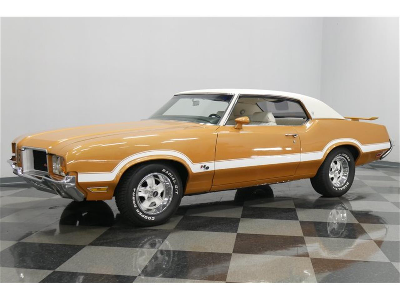 Large Picture of Classic 1972 Oldsmobile Cutlass Offered by Streetside Classics - Nashville - QIVH