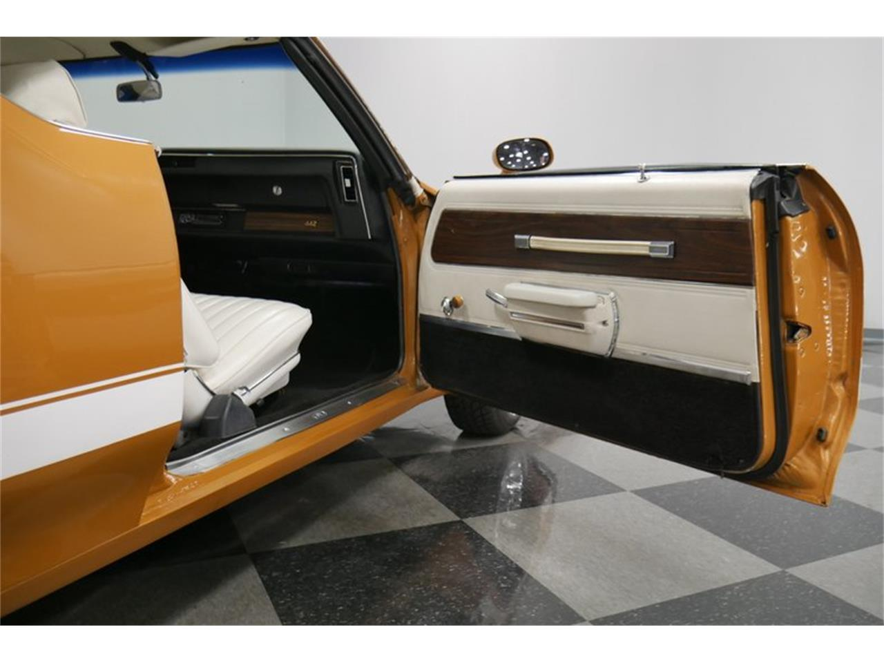 Large Picture of 1972 Oldsmobile Cutlass located in Tennessee - $24,995.00 - QIVH