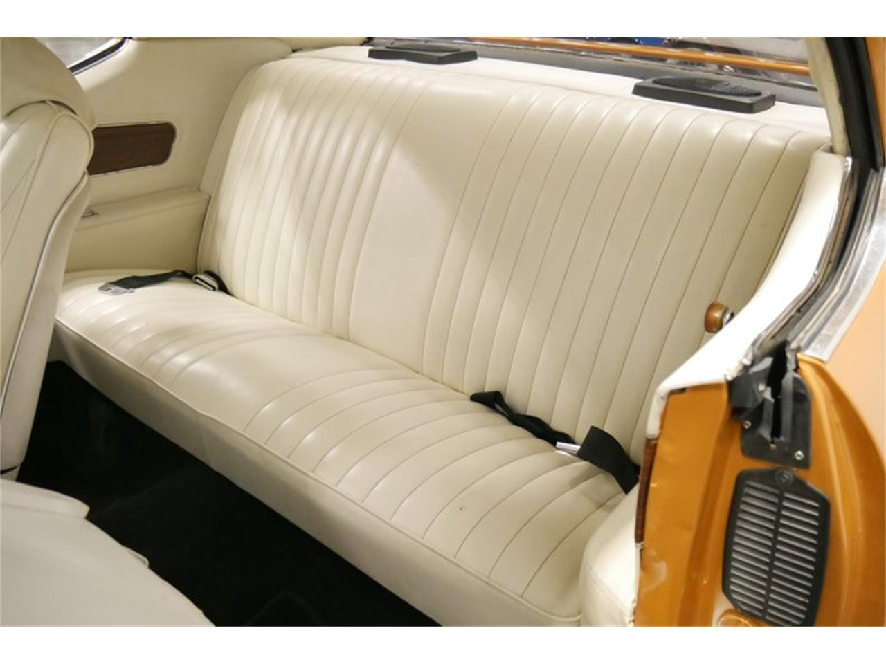 Large Picture of '72 Cutlass located in Tennessee Offered by Streetside Classics - Nashville - QIVH