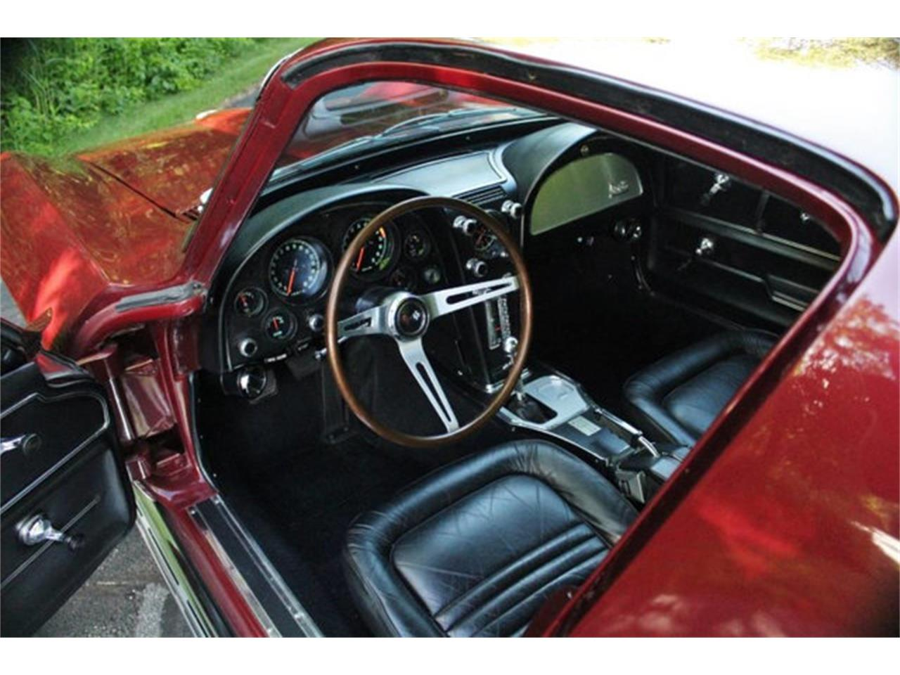 Large Picture of '67 Corvette - QDNL