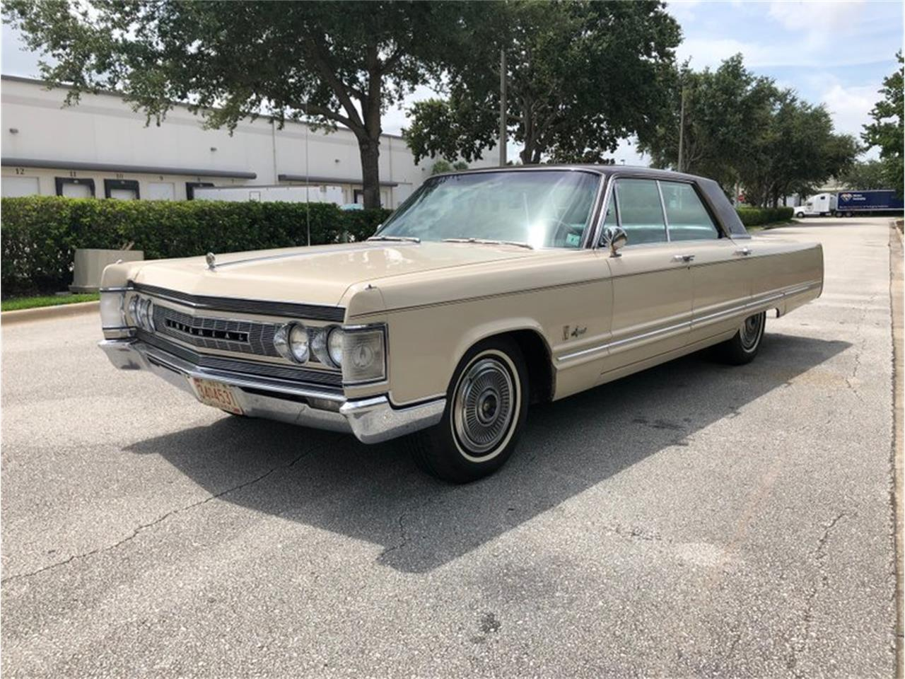 Large Picture of Classic 1967 Chrysler Imperial located in Florida - $11,900.00 - QIWP