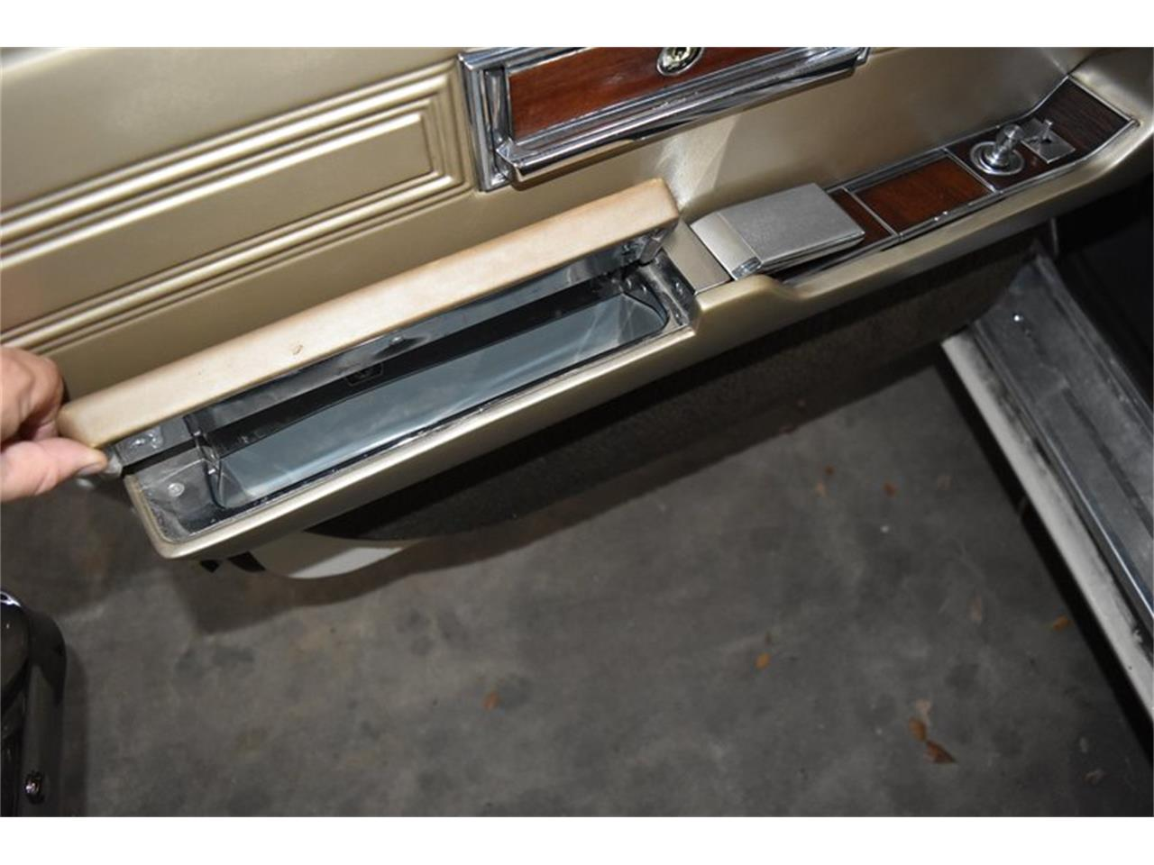 Large Picture of Classic '67 Chrysler Imperial located in Orlando Florida Offered by Orlando Classic Cars - QIWP