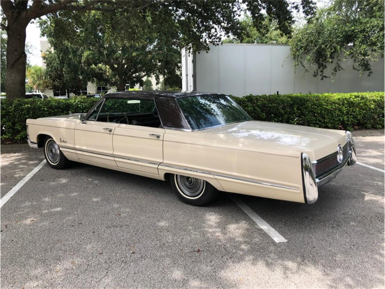 Large Picture of Classic 1967 Imperial located in Florida - QIWP
