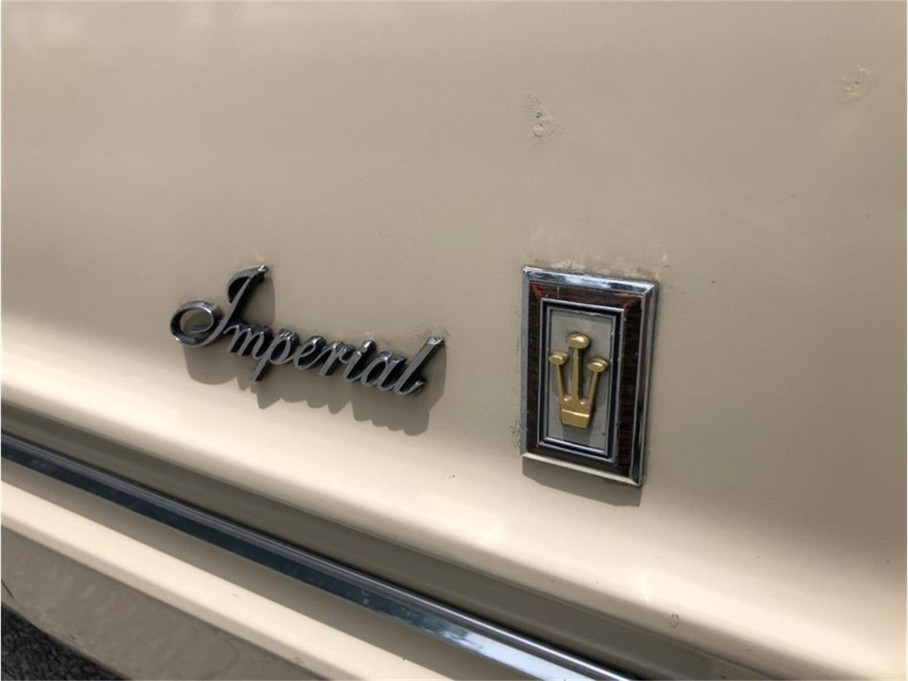 Large Picture of 1967 Chrysler Imperial - QIWP