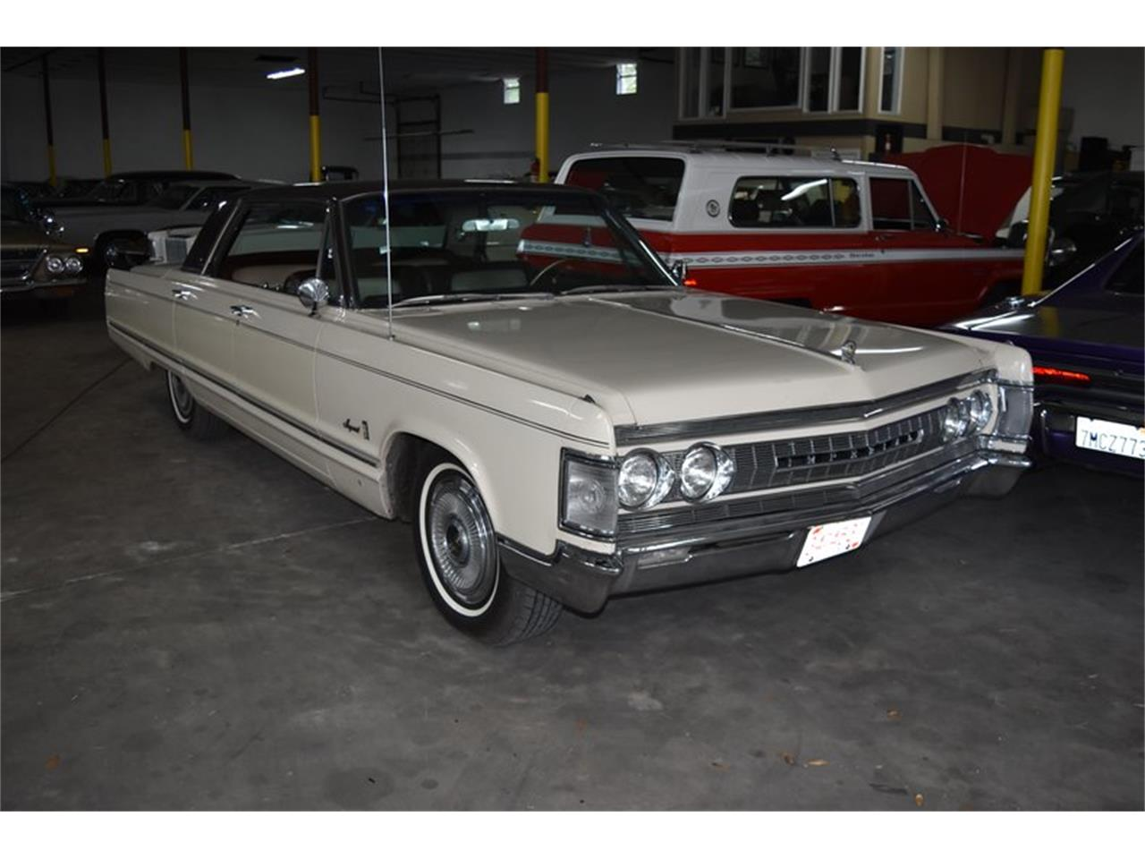 Large Picture of '67 Chrysler Imperial located in Florida - $11,900.00 Offered by Orlando Classic Cars - QIWP