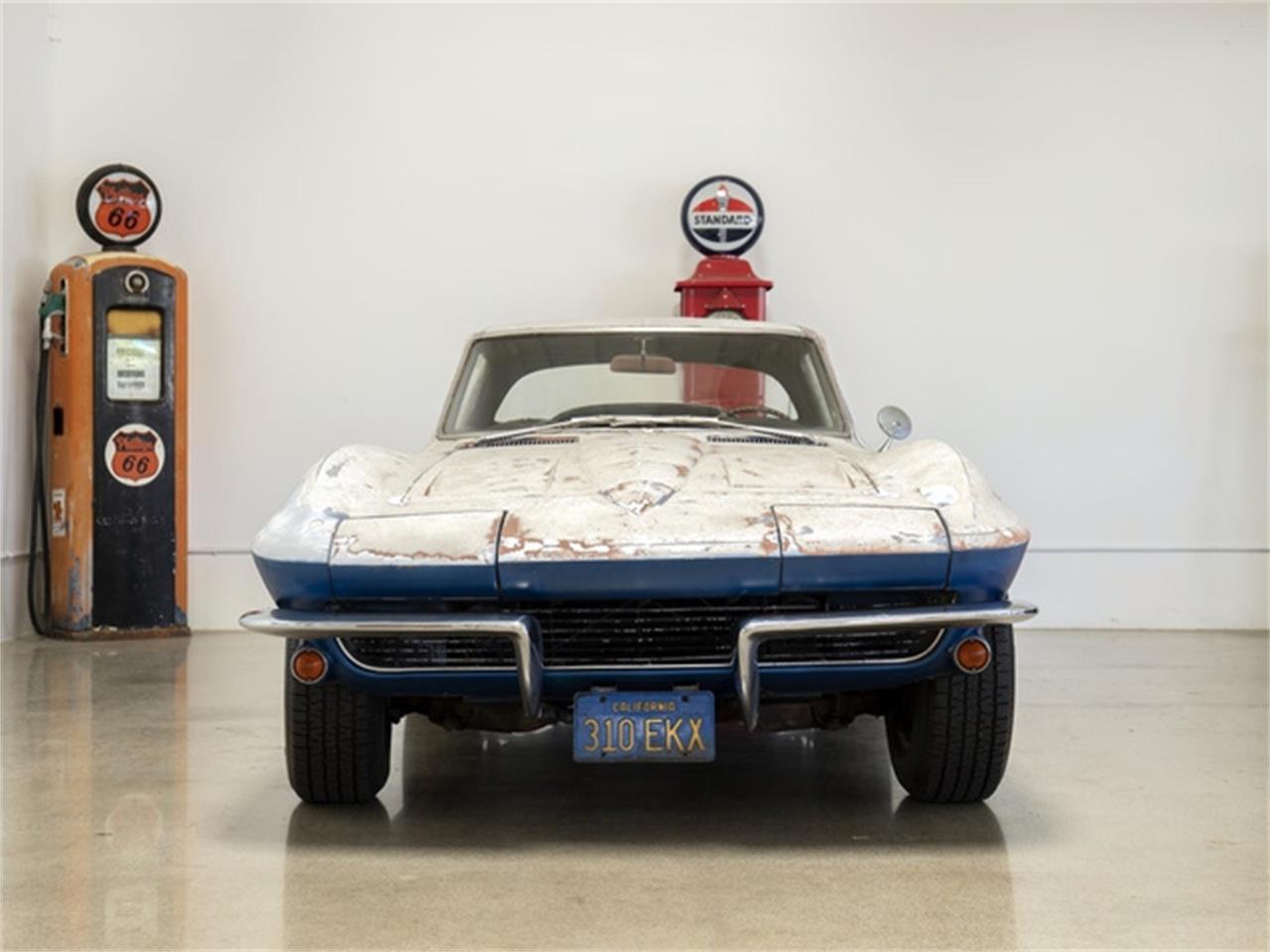 Large Picture of '64 Corvette - QIXM