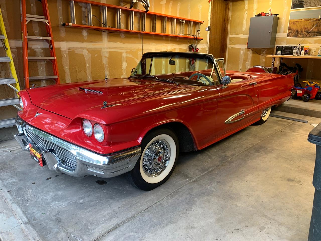 Large Picture of '59 Thunderbird - QJ08