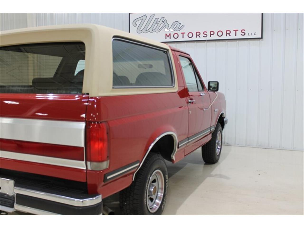 Large Picture of '89 Ford Bronco located in Fort Wayne Indiana - $21,000.00 - QJ2N