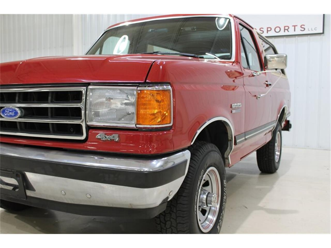 Large Picture of '89 Bronco located in Fort Wayne Indiana - $21,000.00 Offered by Ultra Motorsports - QJ2N