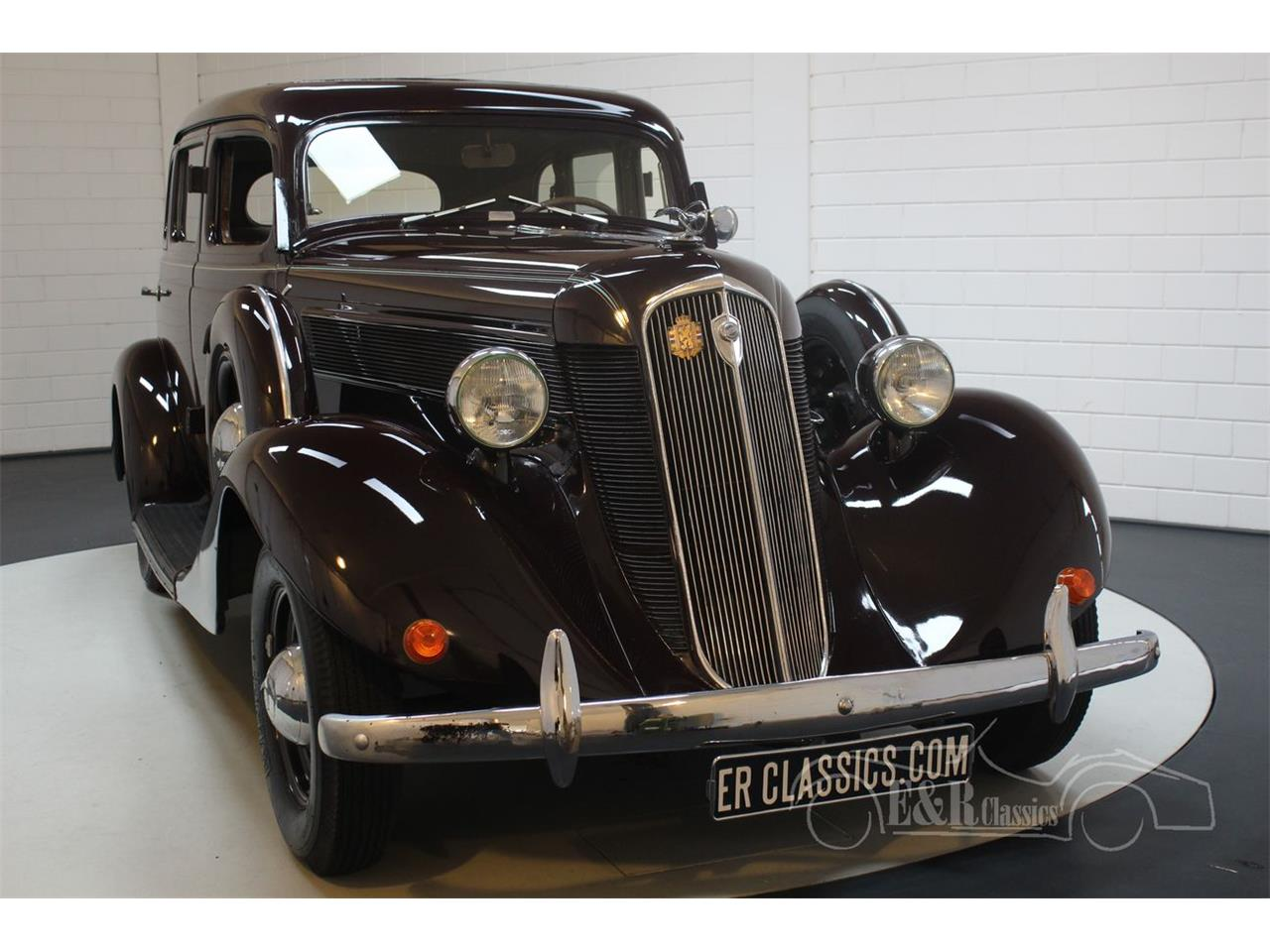 Large Picture of Classic '35 Dictator located in Waalwijk noord brabant - $33,800.00 Offered by E & R Classics - QJ2R