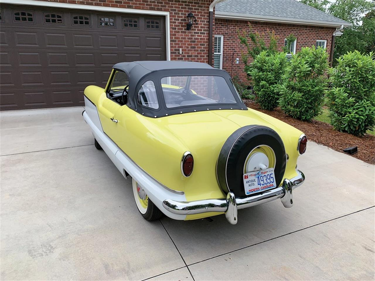 Large Picture of Classic '58 Nash Metropolitan located in Auburn Indiana Offered by RM Sotheby's - QDOU