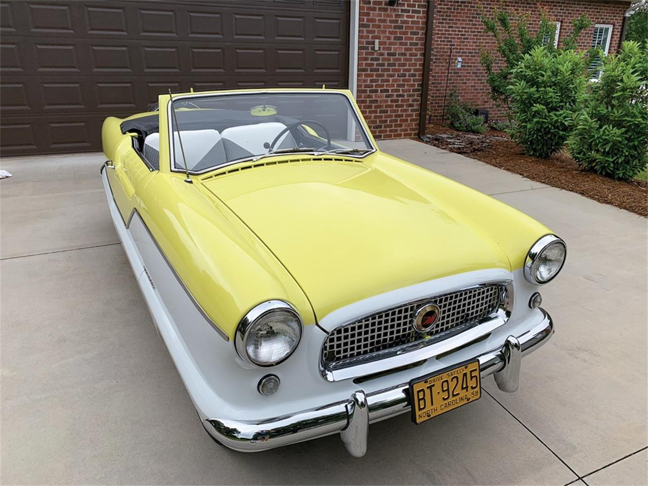 Large Picture of Classic '58 Nash Metropolitan Auction Vehicle - QDOU