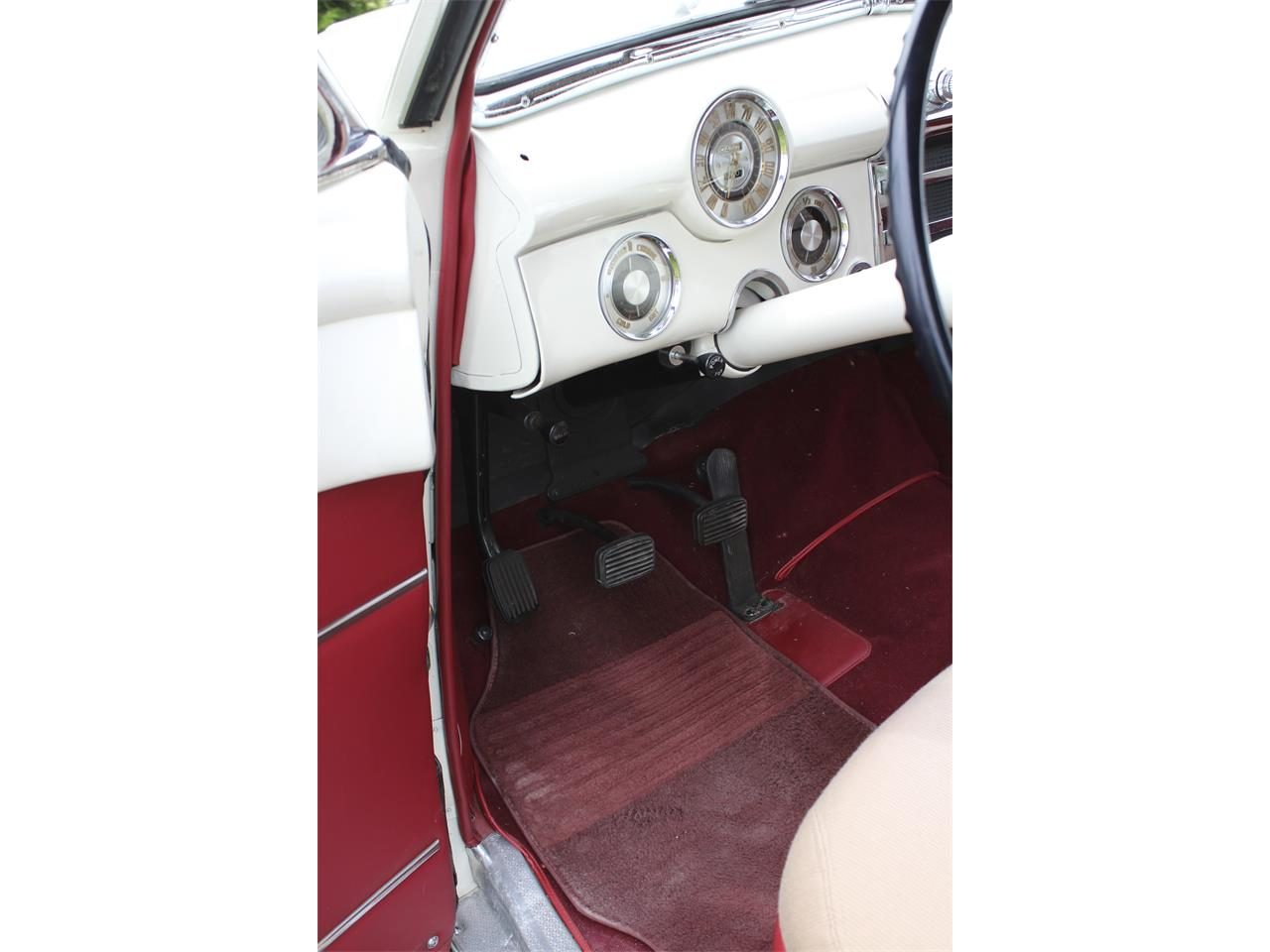 Large Picture of Classic 1948 Buick Convertible - QJJ6