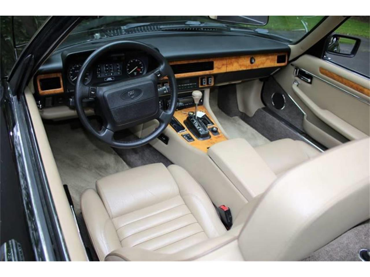 Large Picture of '91 XJ Offered by Great Lakes Classic Cars - QJNK