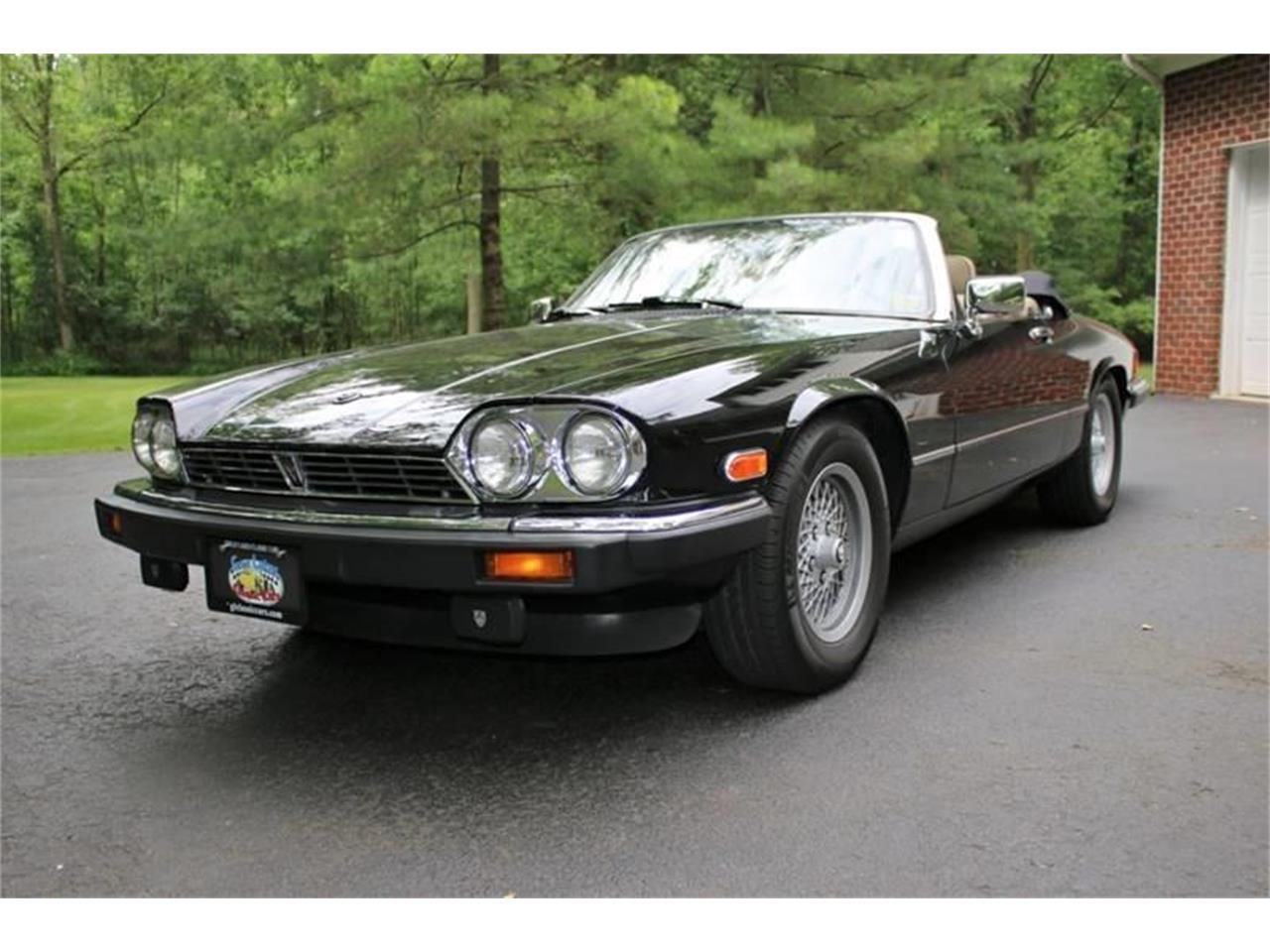 Large Picture of '91 Jaguar XJ located in Hilton New York - $17,995.00 Offered by Great Lakes Classic Cars - QJNK