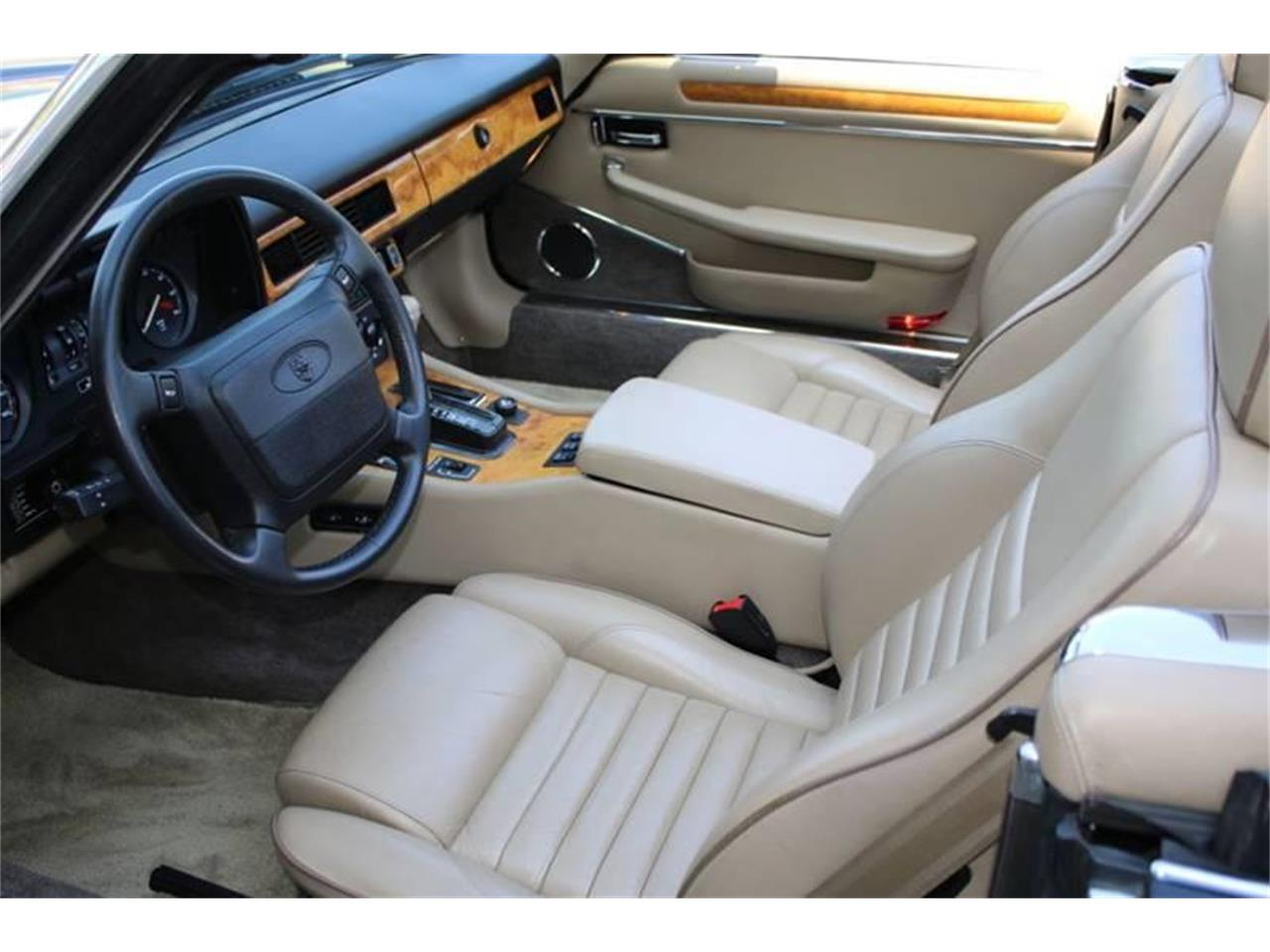 Large Picture of '91 Jaguar XJ - $17,995.00 Offered by Great Lakes Classic Cars - QJNK