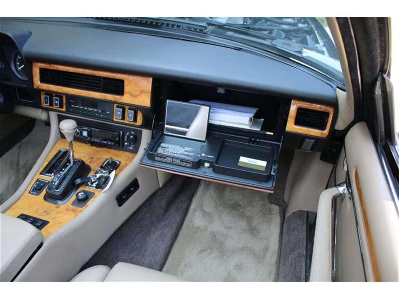 Large Picture of '91 Jaguar XJ located in New York Offered by Great Lakes Classic Cars - QJNK