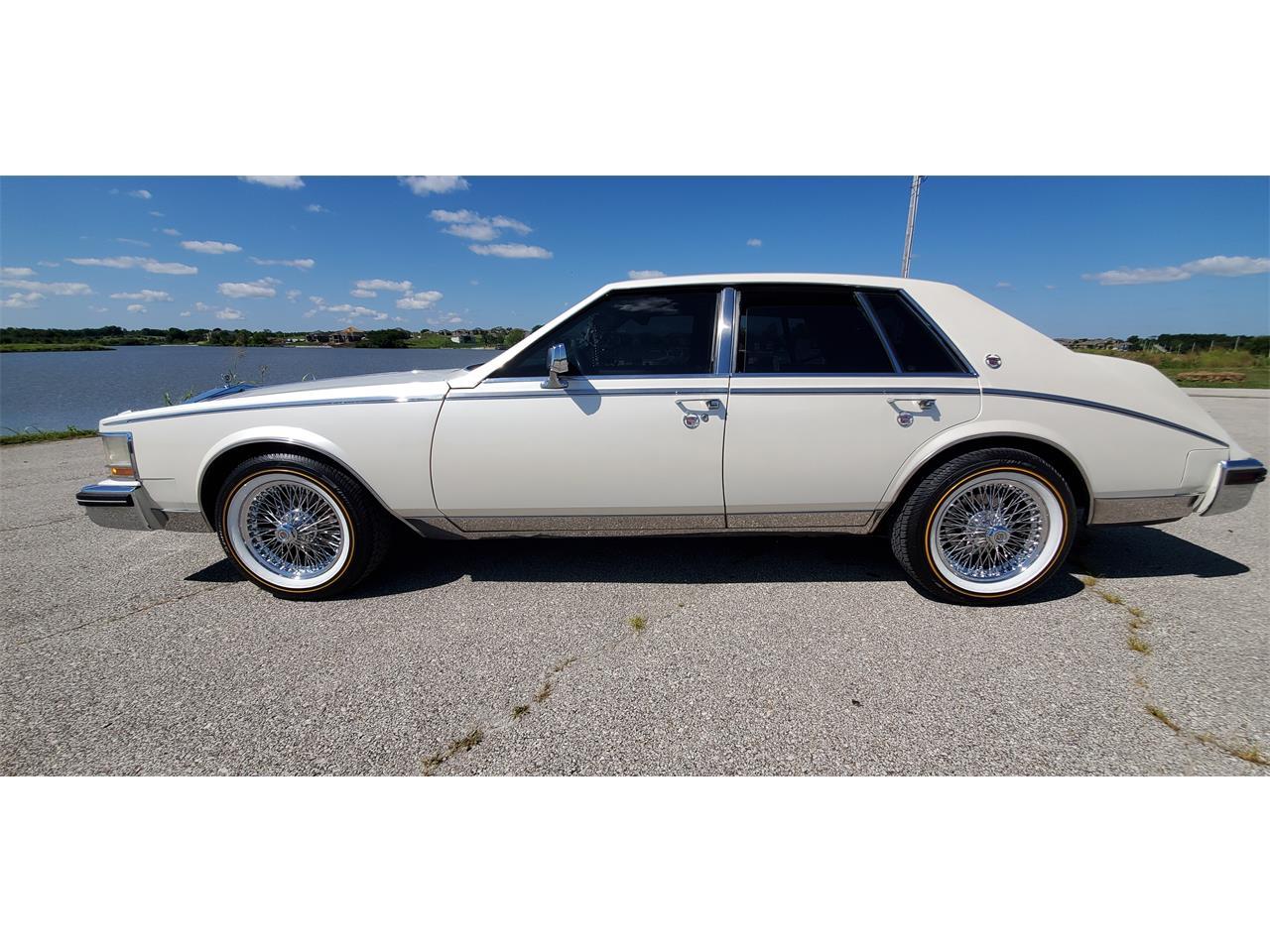 Large Picture of '83 Cadillac Seville located in Missouri - $10,000.00 - QJQR