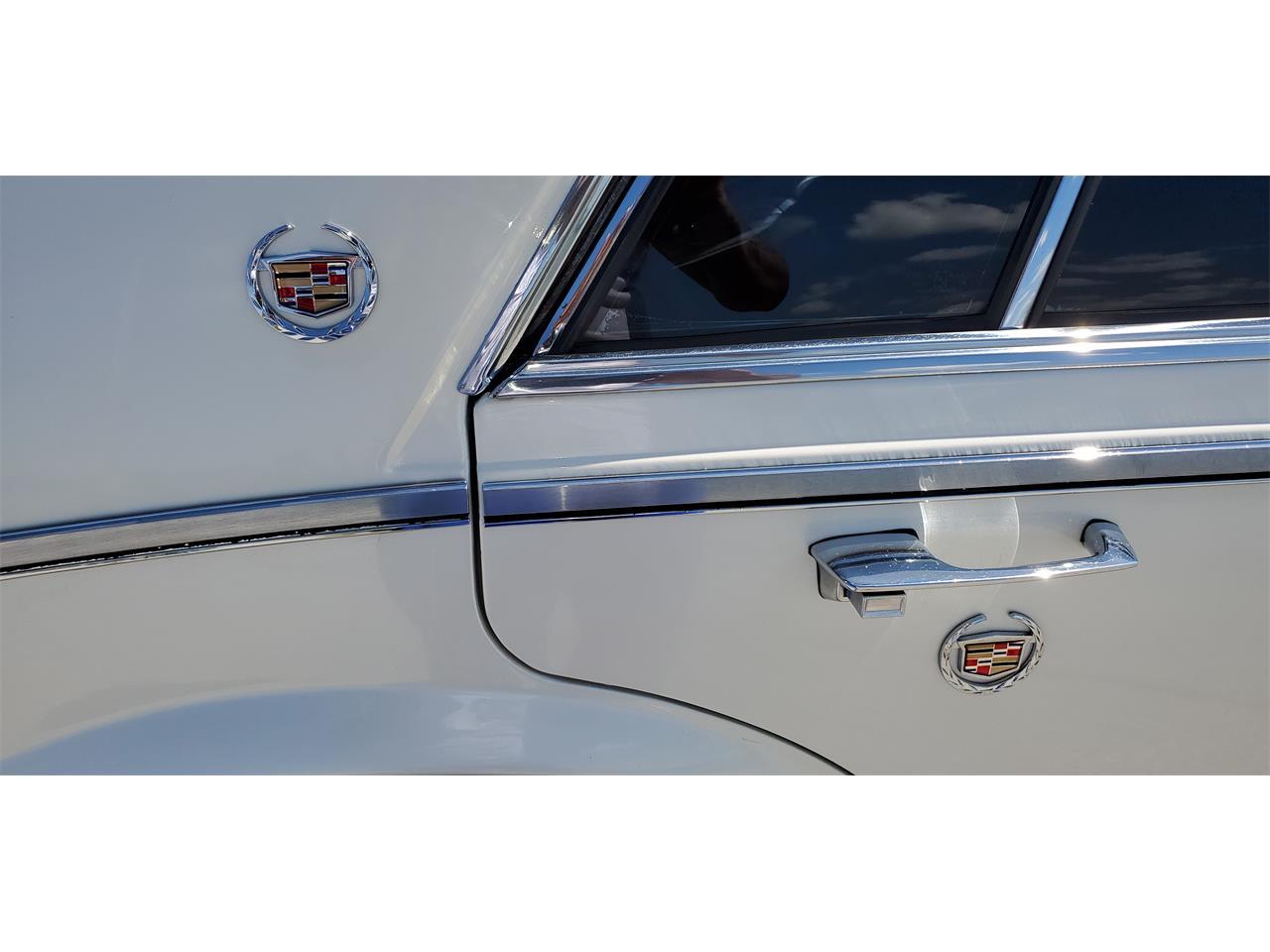 Large Picture of 1983 Cadillac Seville located in Missouri - QJQR