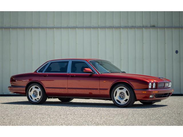 Picture of 1992 XJR located in Monterey California Offered by  - QJV4