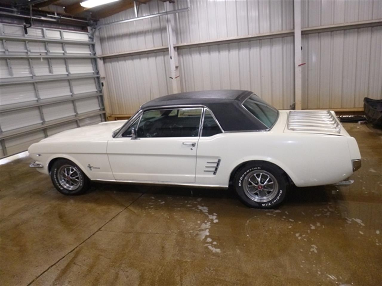 Large Picture of '66 Mustang - QJXY