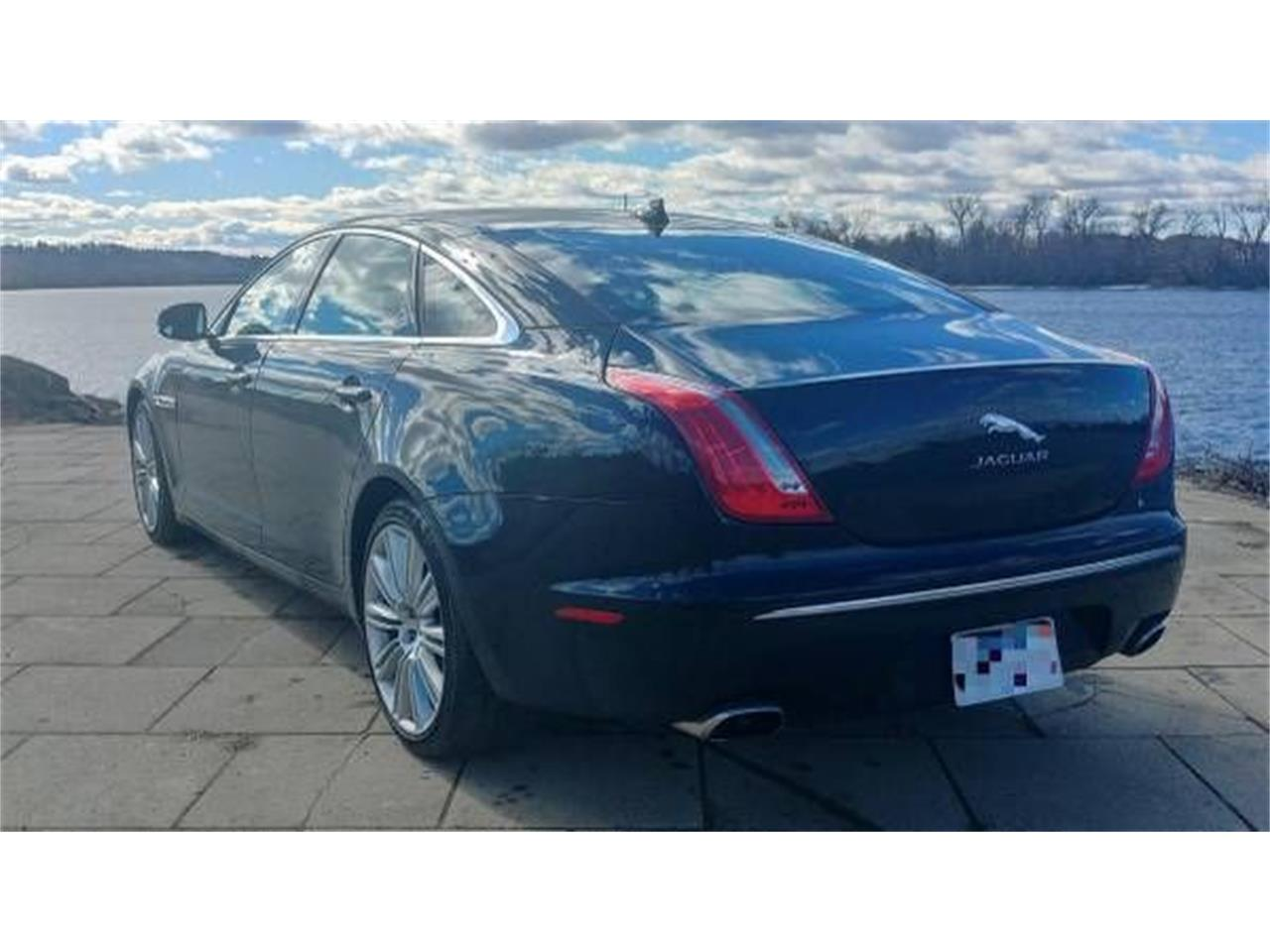 Large Picture of '14 XJ - QJYV
