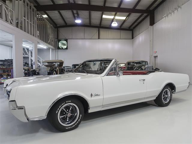 Picture of Classic 1967 Cutlass Supreme located in Saint Louis Missouri - QK0F