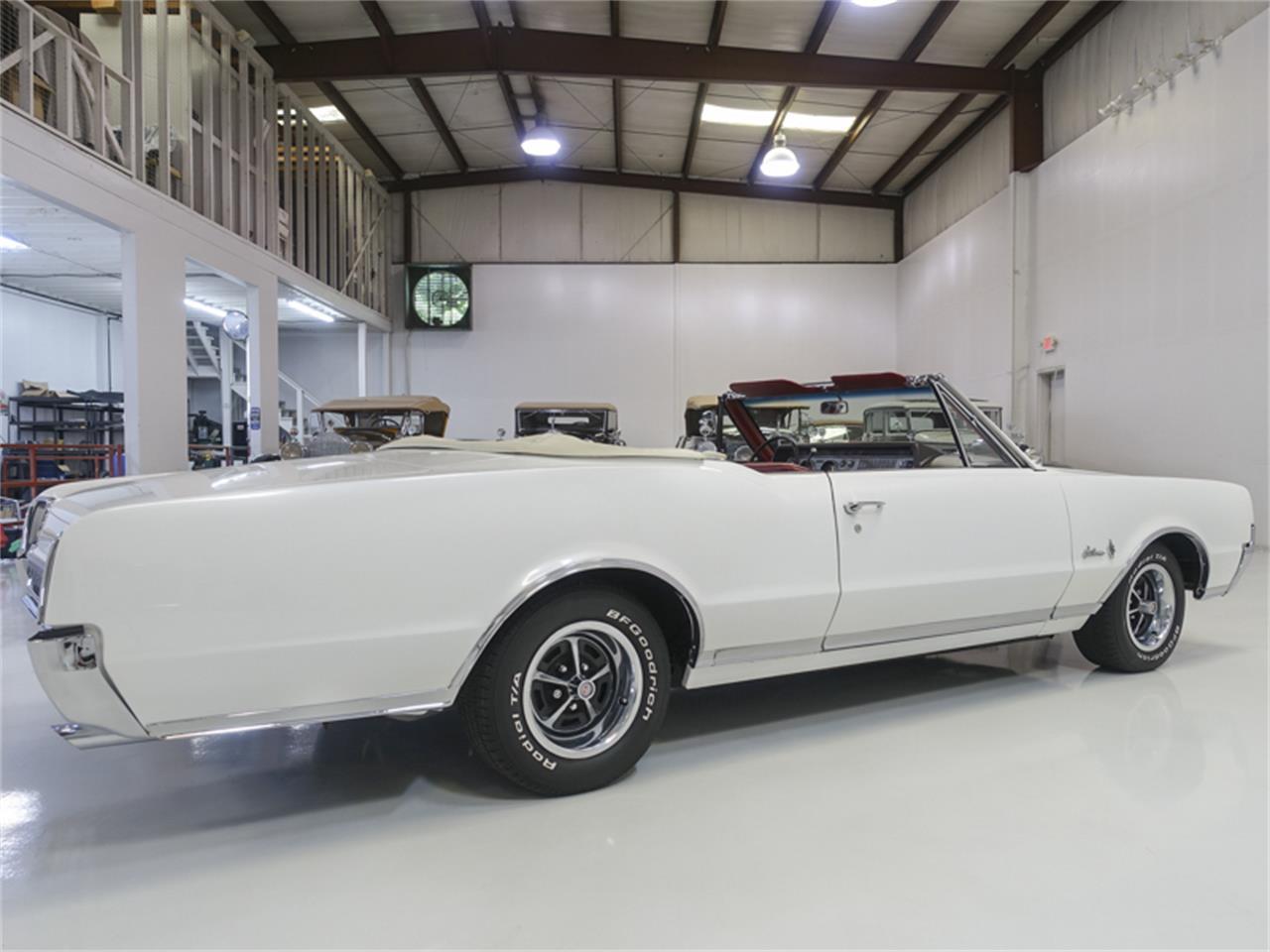 Large Picture of 1967 Cutlass Supreme - $29,900.00 Offered by Daniel Schmitt & Co. - QK0F
