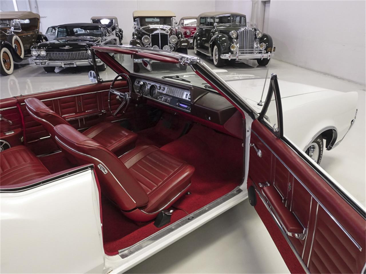 Large Picture of Classic '67 Cutlass Supreme located in Missouri Offered by Daniel Schmitt & Co. - QK0F