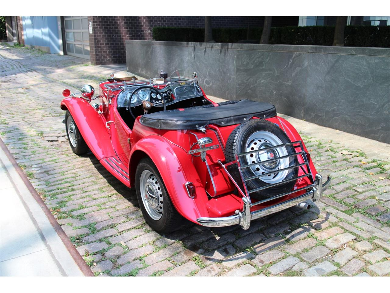 Large Picture of Classic 1952 MG TD - QK0R