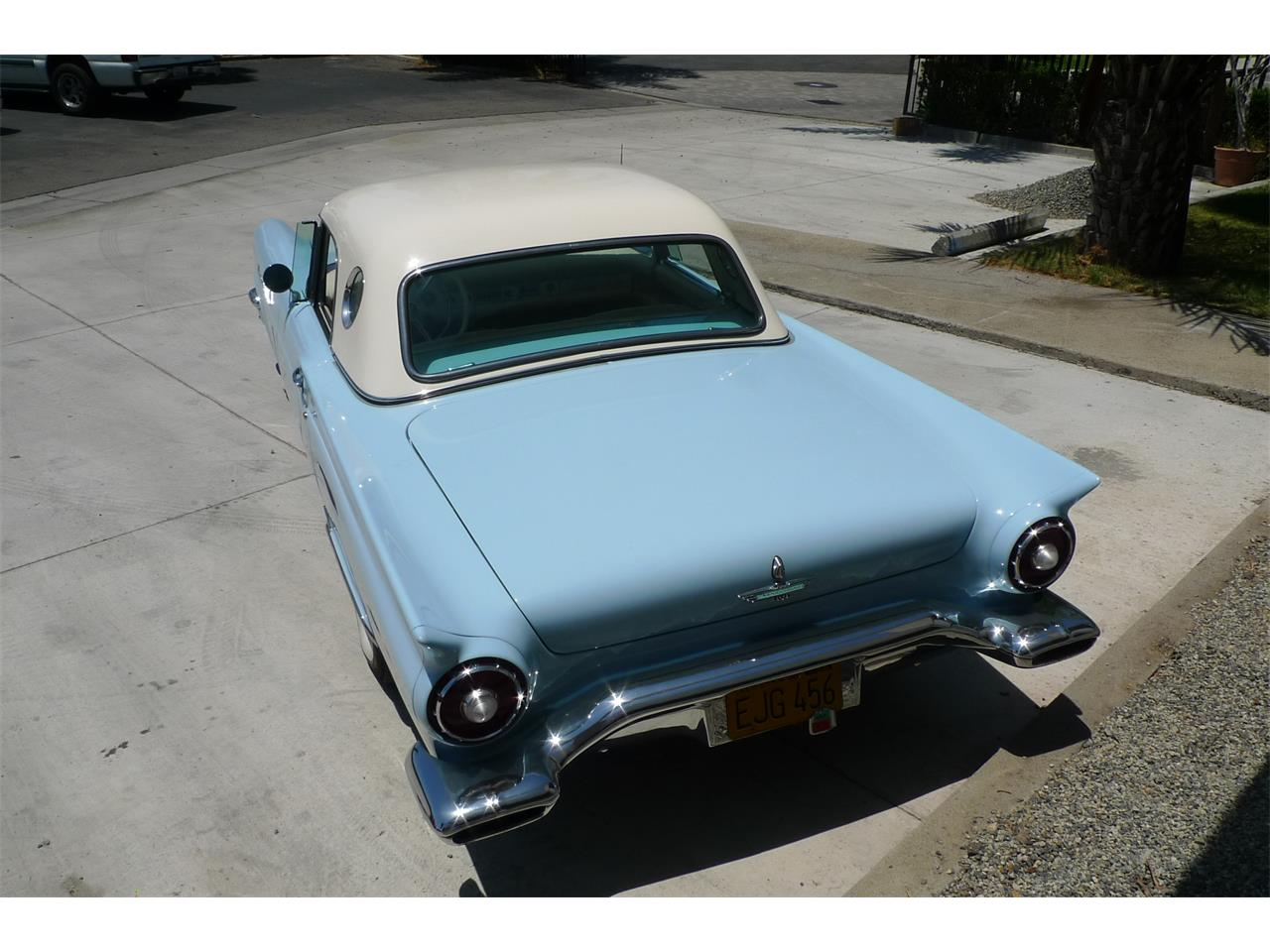Large Picture of '57 Thunderbird - QK1S