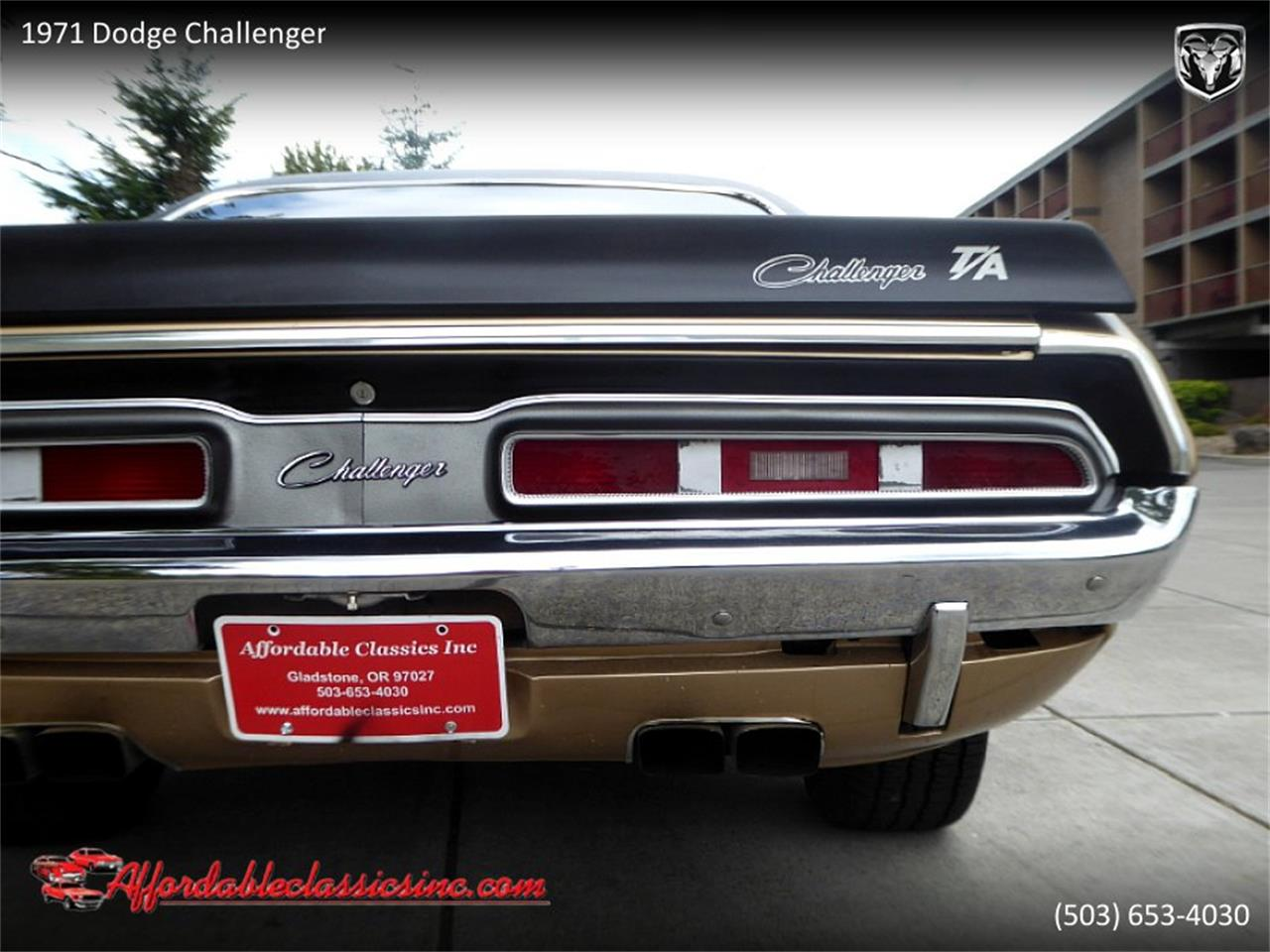 Large Picture of '71 Challenger - QK55