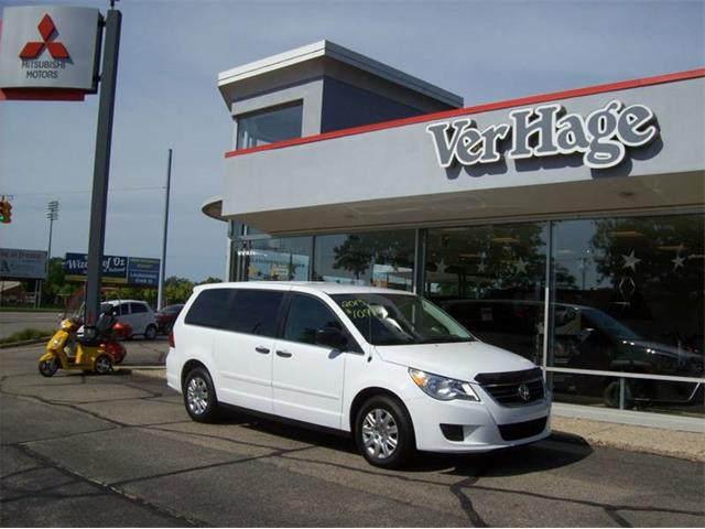 Picture of '13 Volkswagen Routan - $10,995.00 - QK5A
