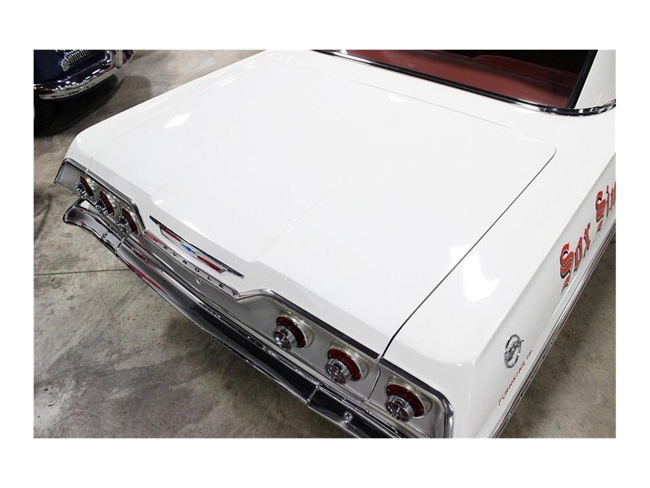 Large Picture of Classic 1963 Chevrolet Impala located in Sterling Heights Michigan - QK96