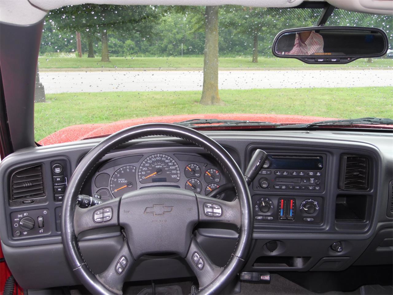 Large Picture of 2005 Chevrolet Silverado - $12,980.00 - QKGK