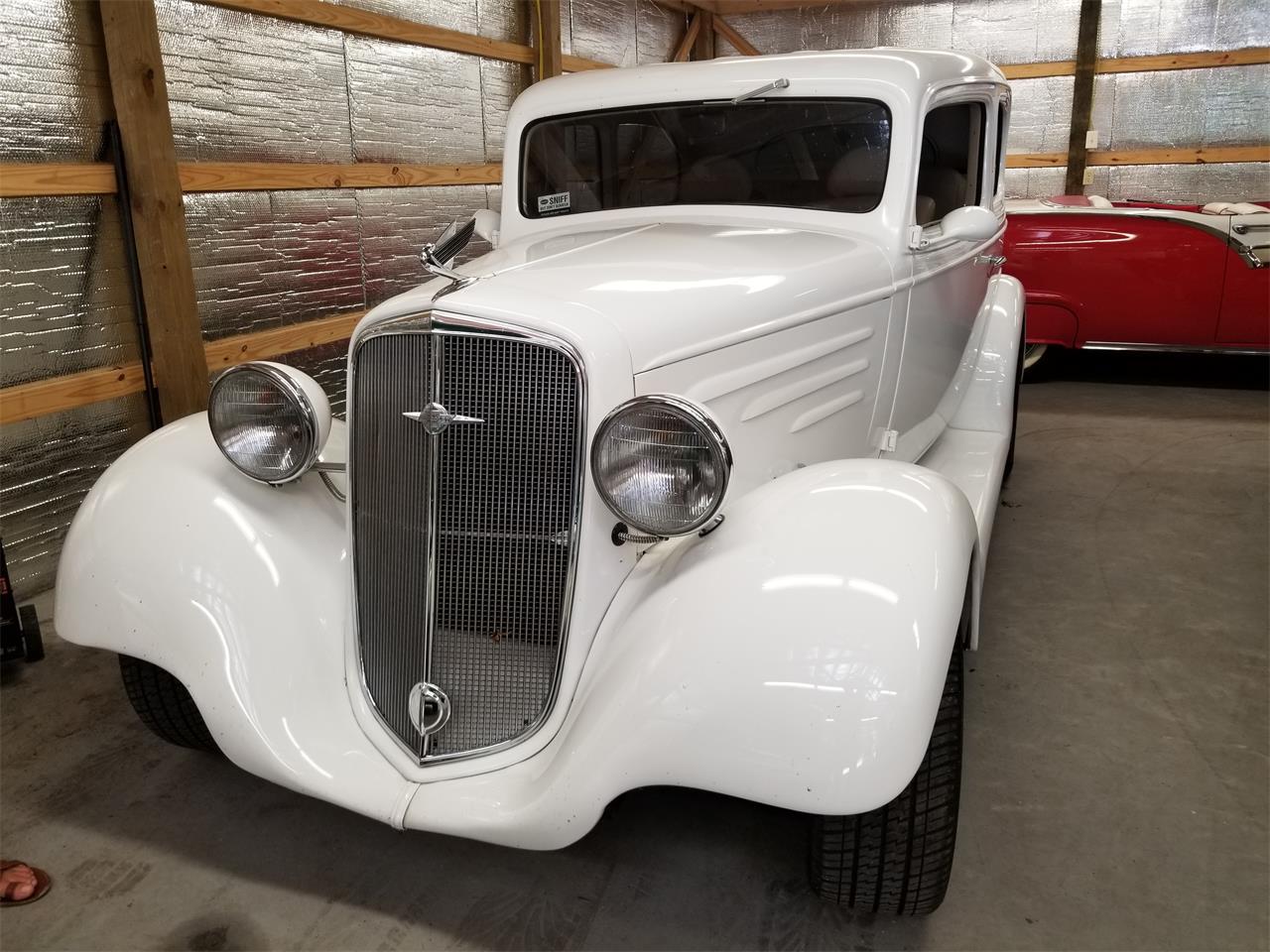 Large Picture of Classic 1935 Chevrolet Sedan - QKKC