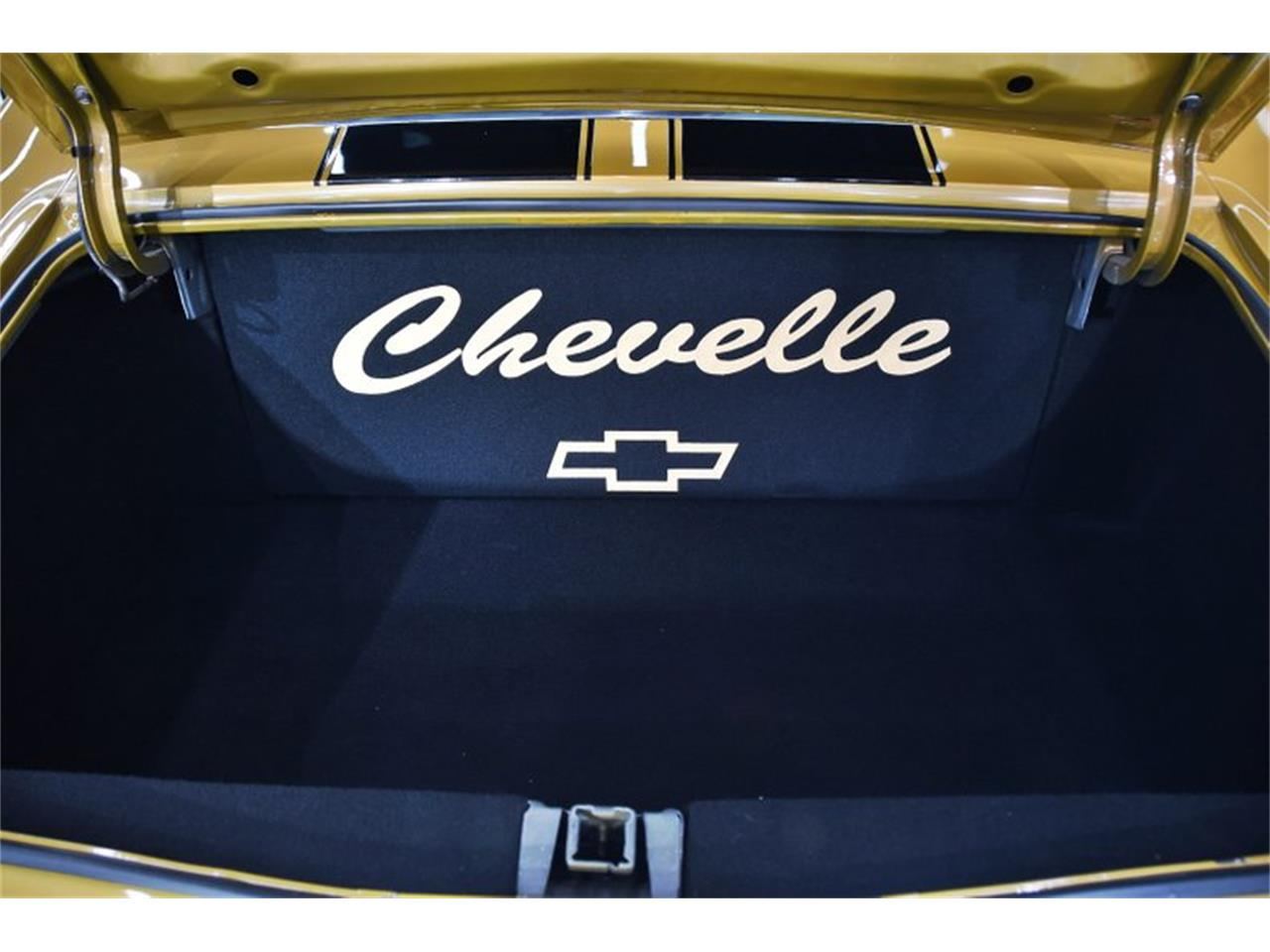 Large Picture of Classic '70 Chevrolet Chevelle Offered by Volo Auto Museum - QKLO