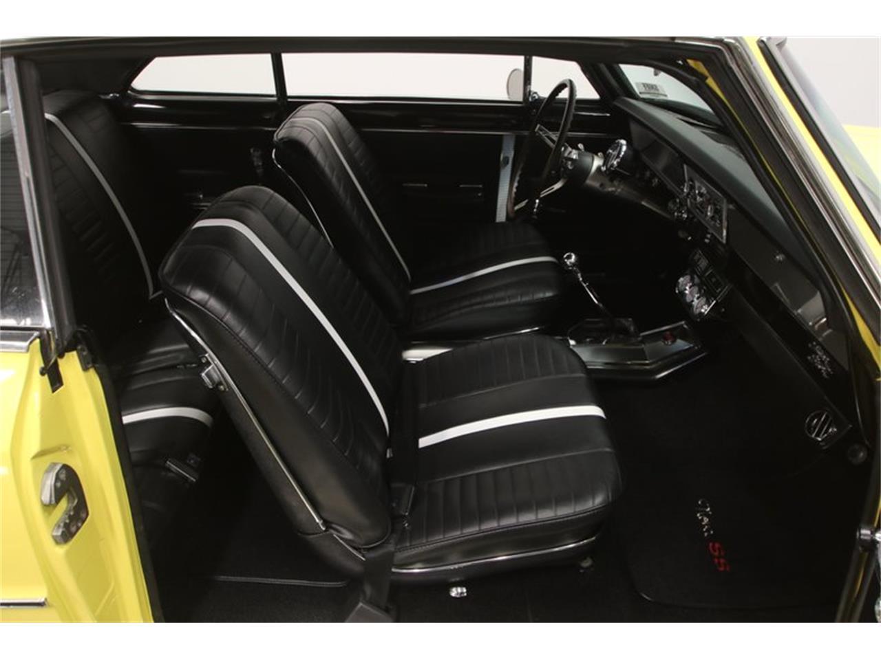 Large Picture of '67 Nova - QKM7