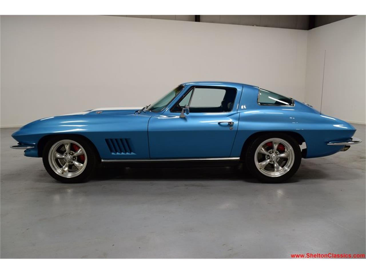 Large Picture of '67 Corvette - QKN0