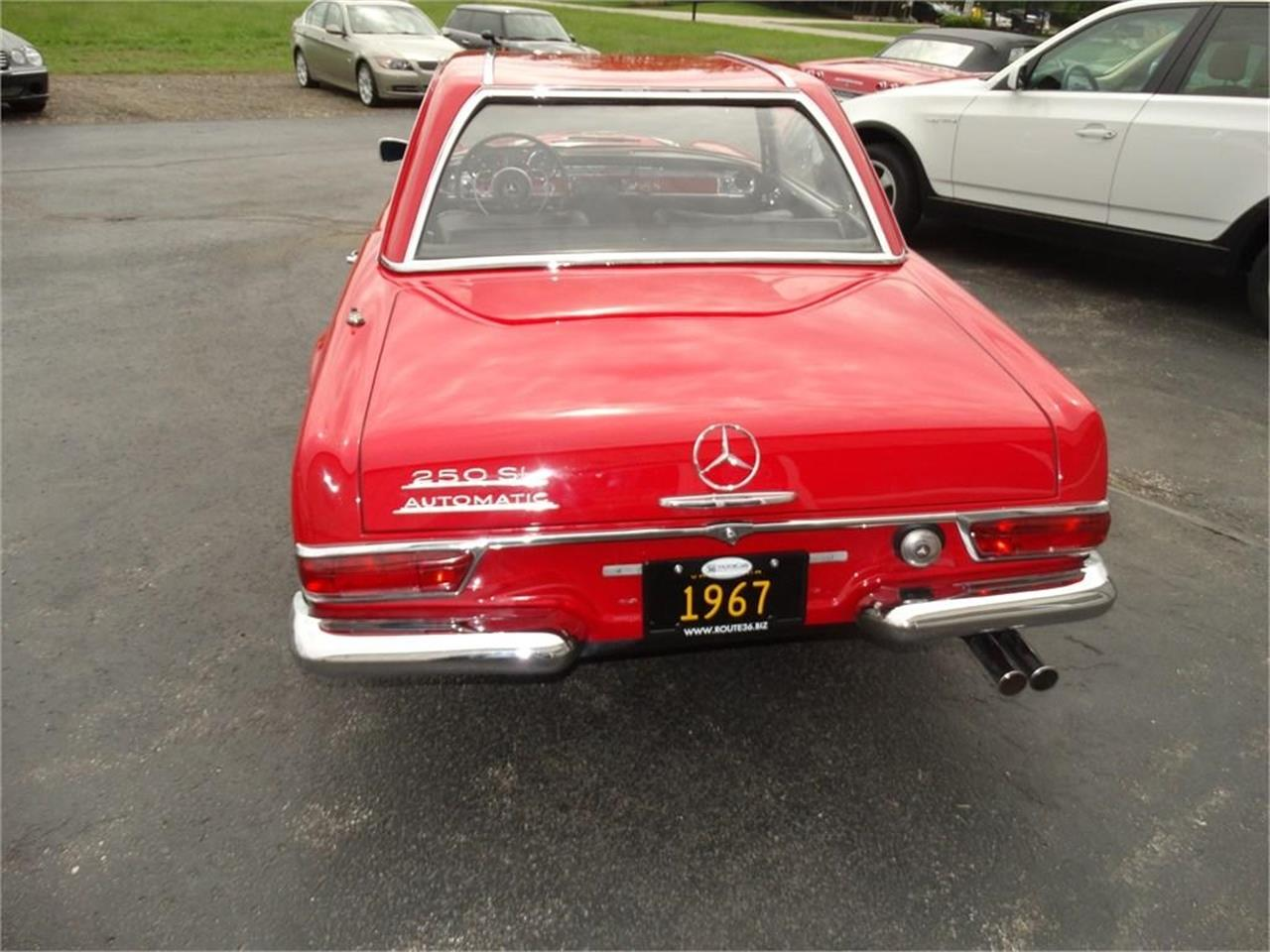 Large Picture of '67 SL-Class Auction Vehicle Offered by Route 36 Motor Cars - QDTZ