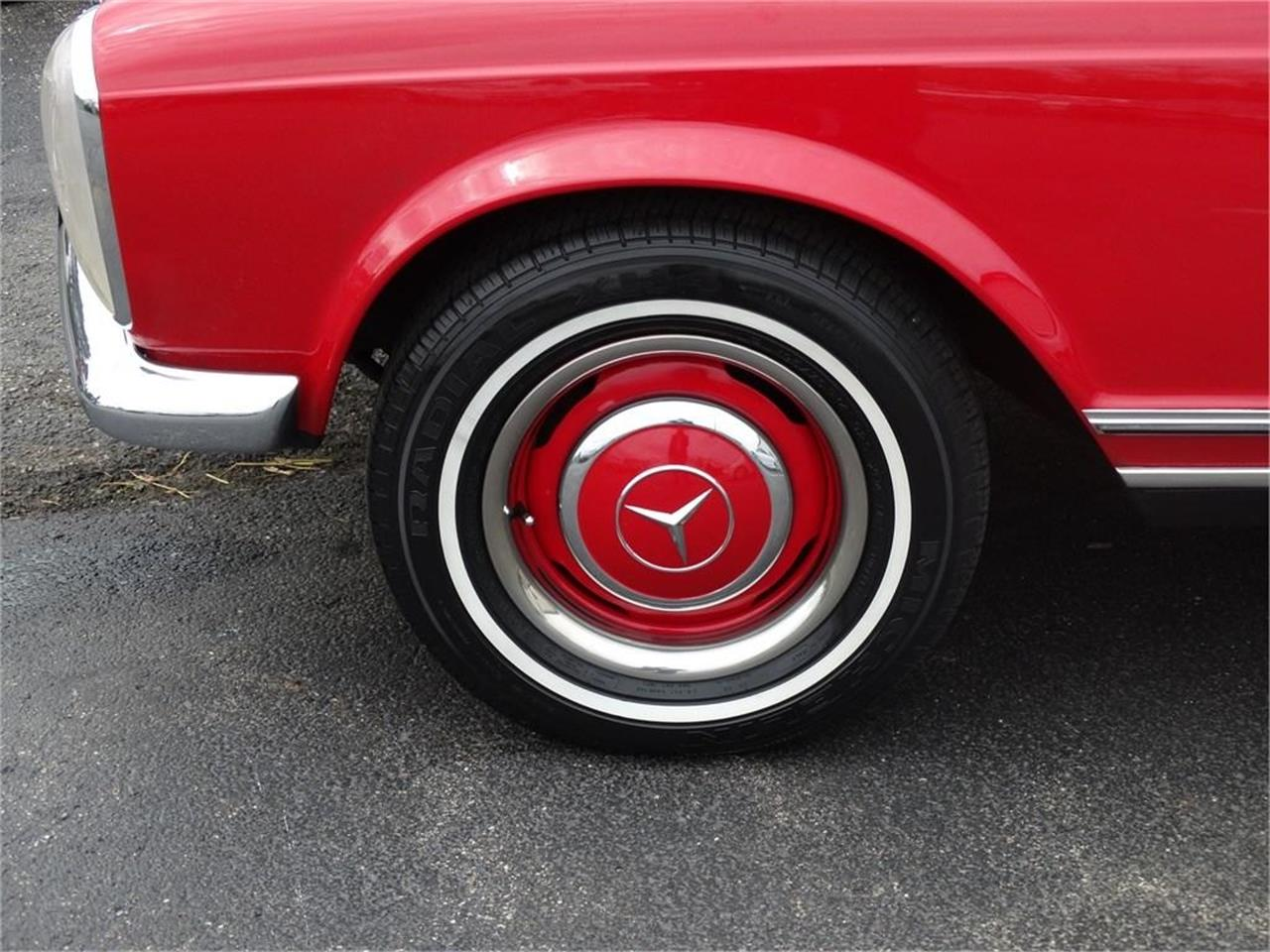 Large Picture of Classic 1967 Mercedes-Benz SL-Class located in Dublin Ohio Offered by Route 36 Motor Cars - QDTZ