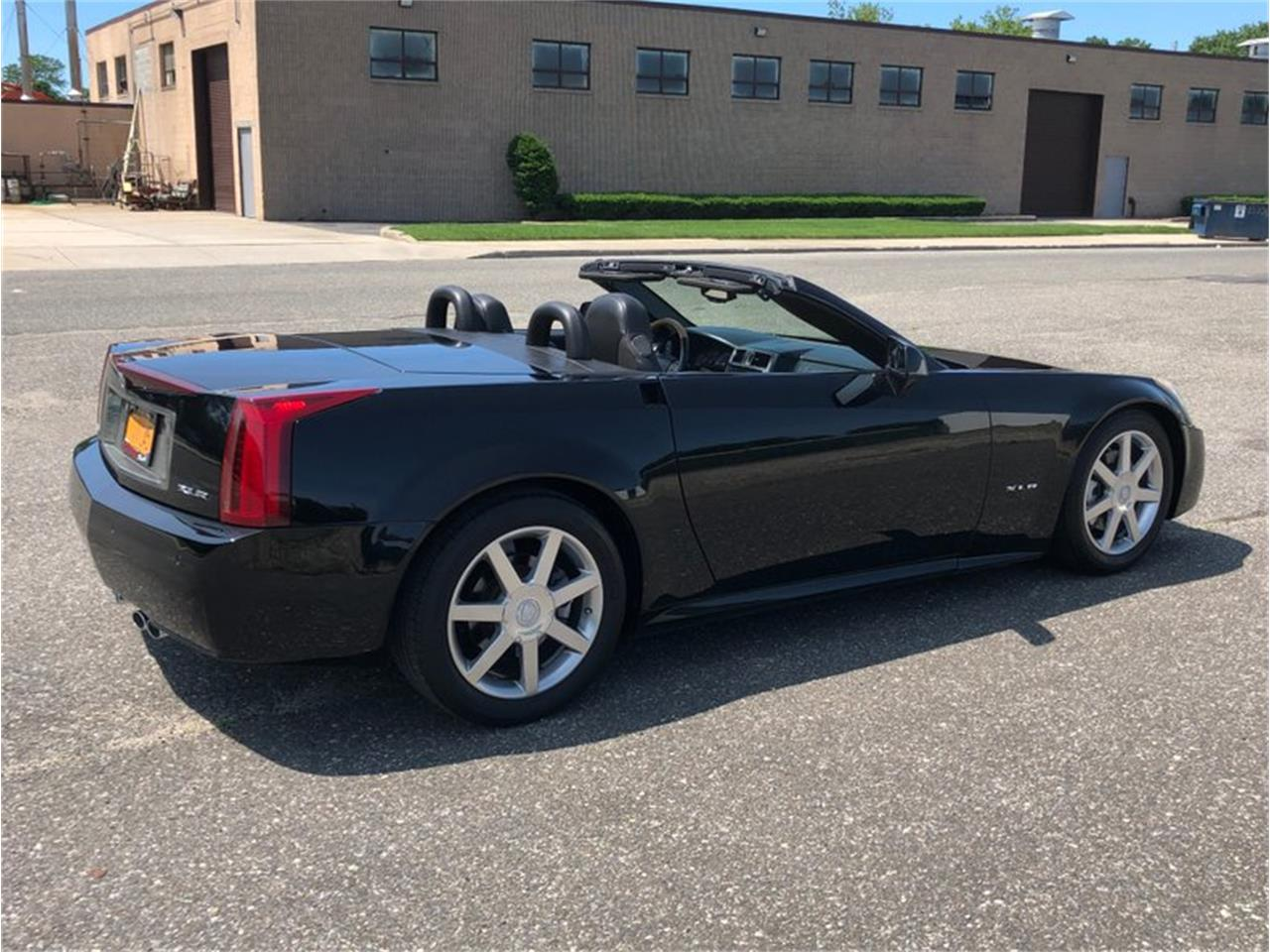 Large Picture of '04 Cadillac XLR - $22,500.00 Offered by Hollywood Motors - QDU0
