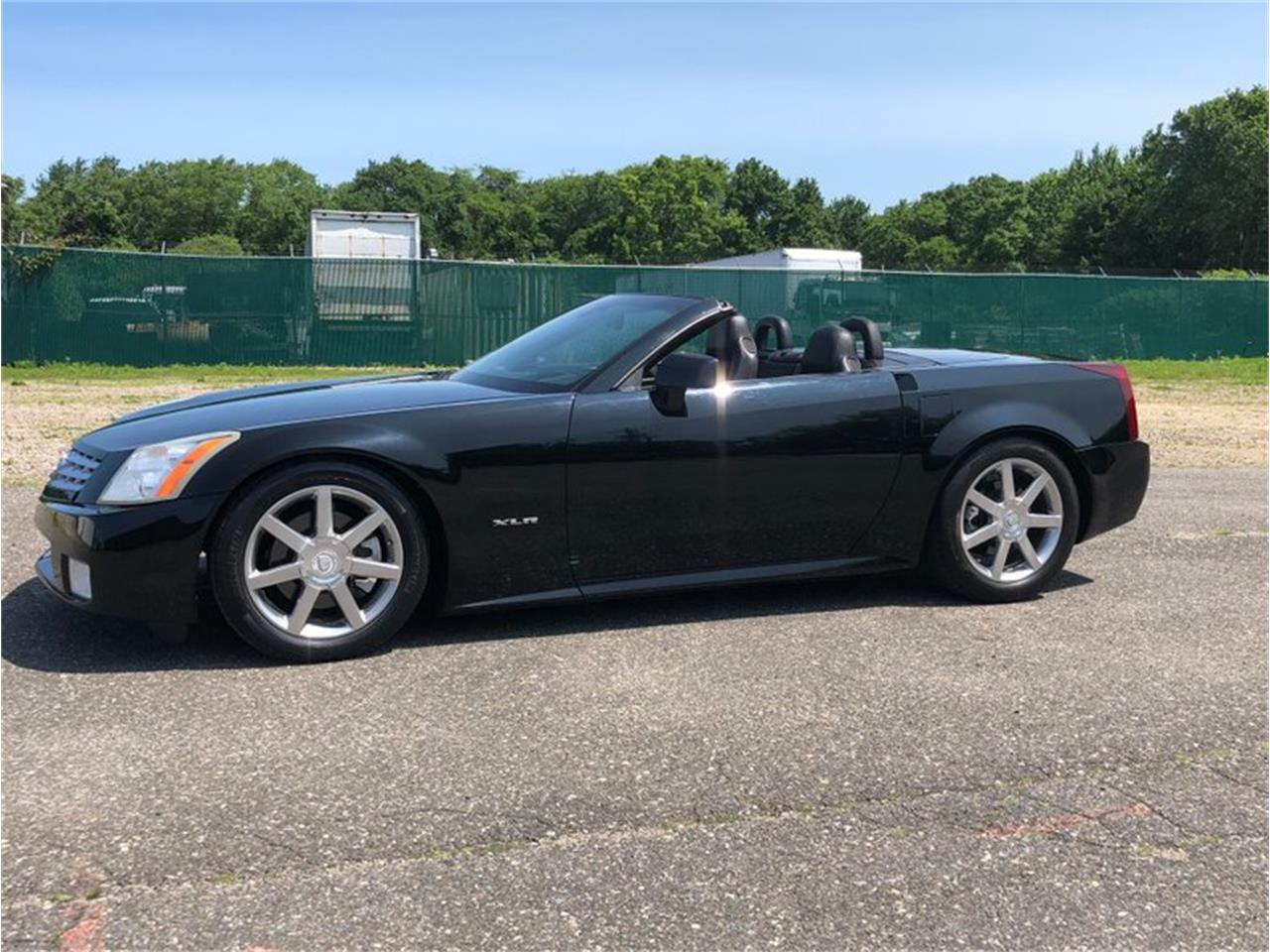 Large Picture of 2004 Cadillac XLR - QDU0